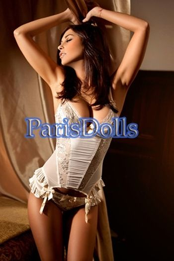 escort for couple in Paris Anna